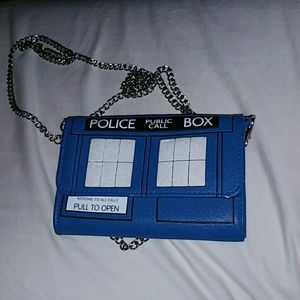Dr. Who Tardis purse/clutch